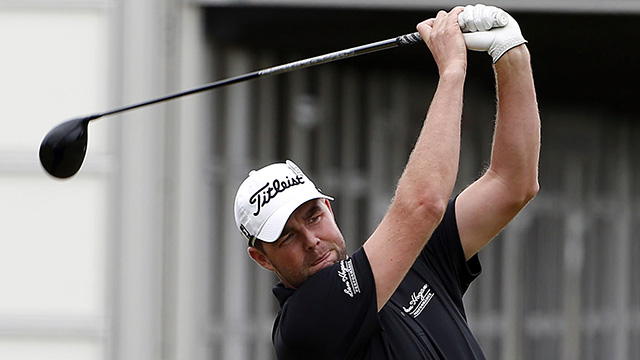 Leishman wins by 6 strokes in Sun City
